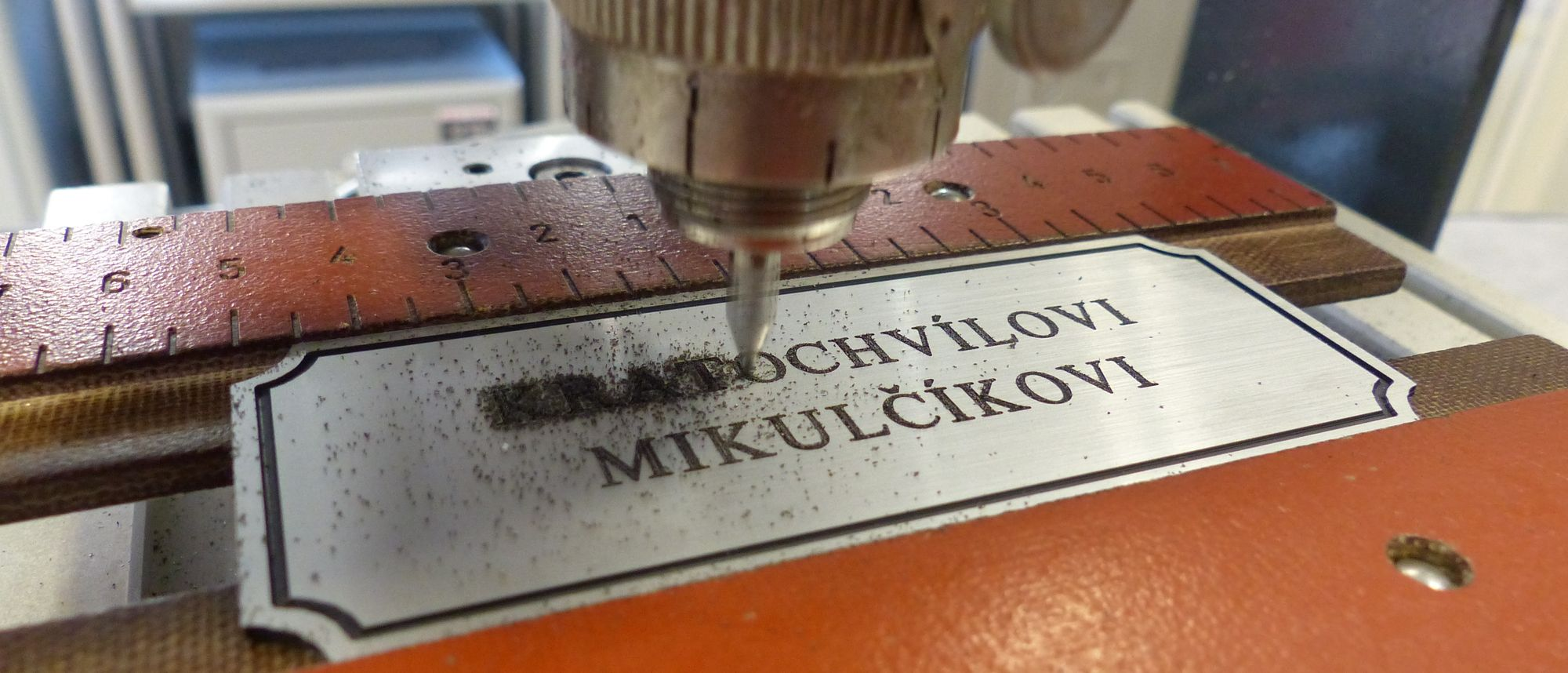 výroba štítku